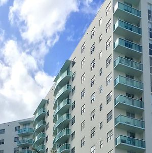 Sea View Apt In Hollywood Beach photos Exterior