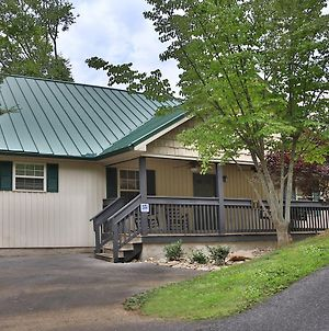 Holly Grove 1 3 Bedroom Cabin By Redawning photos Exterior