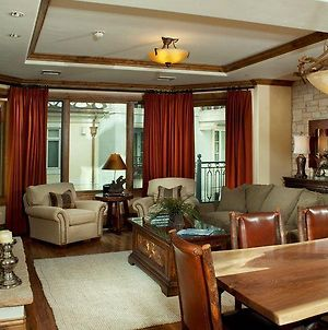 Arrabelle Excellence In The Heart Of Vail Square photos Exterior