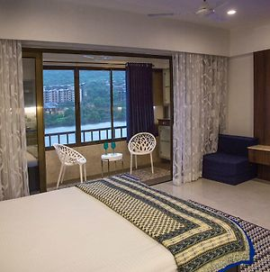 Lavasa Luxury Lakeview Studio photos Exterior