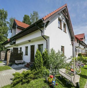 Quaint Holiday Home In Gleznowo With Parasol photos Exterior