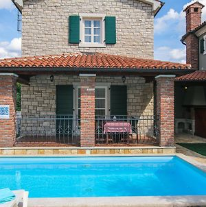 Luxury Villa With A Swimming Pool Buici 13543 photos Exterior