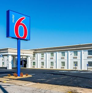 Motel 6 Fort Lee Petersburg Va photos Exterior