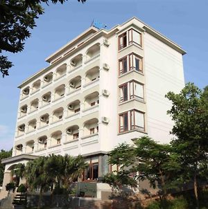 Hoa Binh Ha Long Hotel photos Exterior