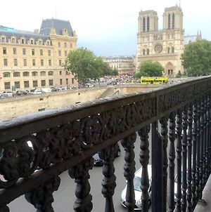 Two Bedroom Luxury Apartment - Balcony With View Of Notre Dame photos Exterior