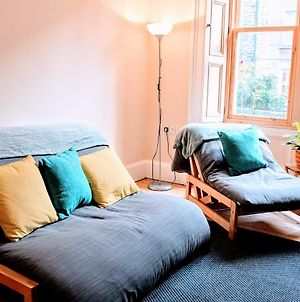 2 Bedroom Flat In City Centre Accommodates 6 photos Exterior