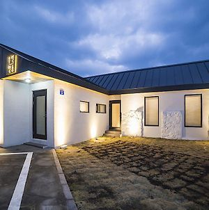 Wooyeon Handong Jeju Private Rental House photos Exterior