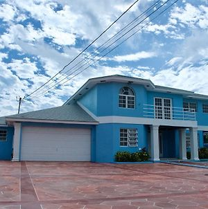 The Blue Mansion Bahamas photos Exterior