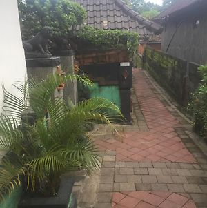 Wira Ayu Guest House photos Exterior
