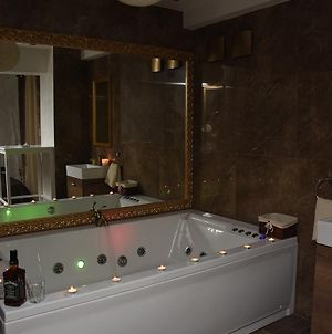 Central Business Apartments Jacuzzi photos Room