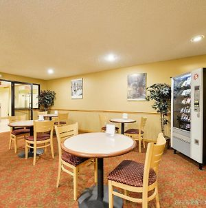Americas Best Value Inn - East Syracuse photos Restaurant
