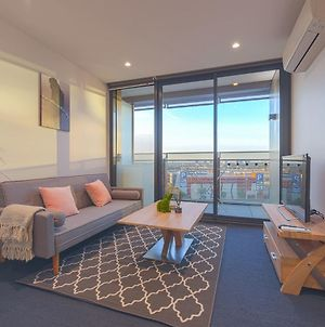 Cozy Melbourne Star 2 Bedroom Apartment Docklands photos Exterior