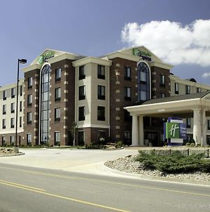 Holiday Inn Express Hotel & Suites Marion Northeast photos Exterior