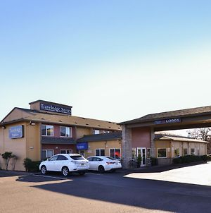 Travelodge Suites By Wyndham Newberg photos Exterior