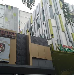 Maxonehotel At Kramat photos Exterior