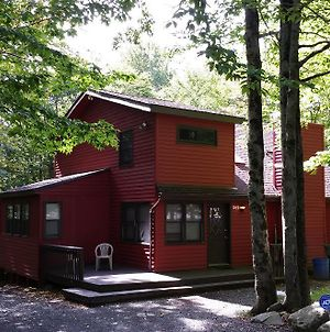 Chalet Renovated Near Casino Camelback Kalahari Water Park Mount Pocono photos Exterior