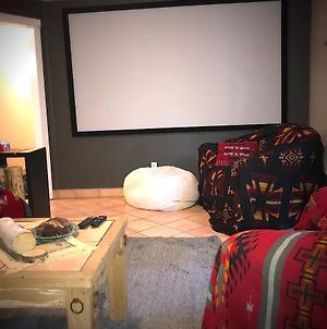 Cozy Home Theatre Slps 6 photos Exterior