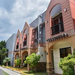 Manora Apartments And Guest House photos Exterior