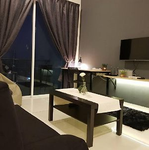 Puchong 10Pax Ioi Mall Cozy Apartment Skypod photos Exterior