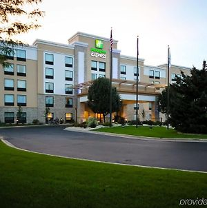 Holiday Inn Express Janesville-I-90 & Us Highway 14 photos Exterior