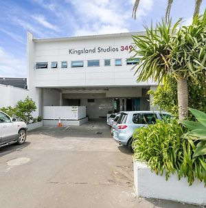 Great Value! Sunny Kingsland Studio photos Exterior