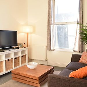 1 Bedroom Apartment In Putney Near The Station photos Exterior