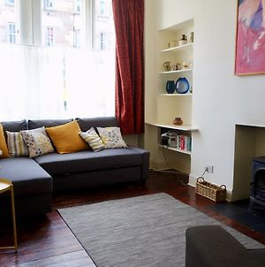 Art-Filled 2 Bedroom Home In Leith Accommodates 6 photos Exterior