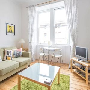 2 Bedroom Flat 10 Minutes From The City Centre photos Exterior
