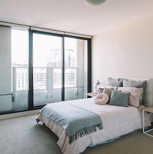 Beautiful Apartment Near Etihad Stadium! Book Now! photos Exterior