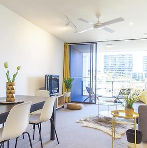 Chic Living In South Brisbane + Rooftop Pool photos Exterior