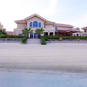 Six Bedroom Villa Palm Jumeirah photos Exterior