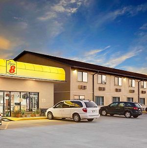 Super 8 By Wyndham Macomb photos Exterior