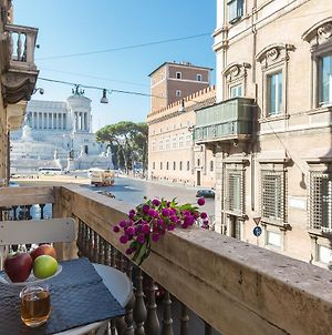 Amazing Piazza Venezia Suites photos Exterior