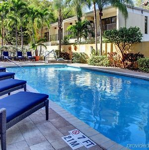 Hampton Inn Miami-Coconut Grove/Coral Gables photos Exterior