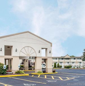 Quality Inn & Suites Vestal Binghamton photos Exterior