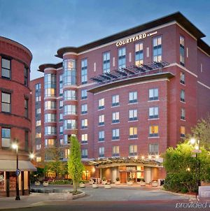 Courtyard By Marriott Boston Brookline photos Exterior