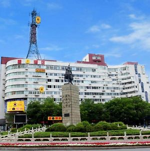 Super 8 Chengde Imperial Summer Resort photos Exterior