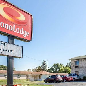 Econo Lodge Elkhart photos Exterior