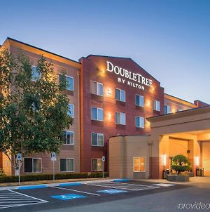 Doubletree By Hilton North Salem photos Exterior