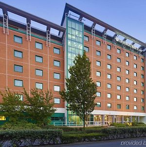 Doubletree By Hilton Woking photos Exterior