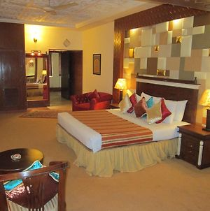 Sheza Inn Hotel Multan photos Exterior