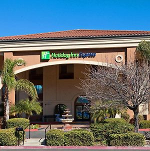 Holiday Inn Express Temecula photos Exterior
