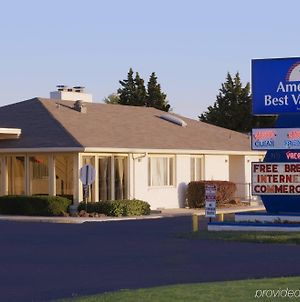 Americas Best Value Inn Salina photos Exterior