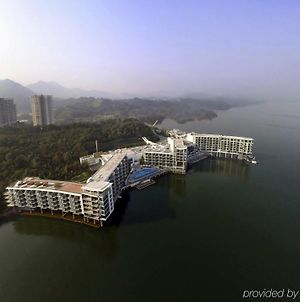 Crowne Plaza Huangshan Taiping Lake photos Exterior