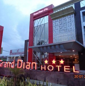 Grand Dian Hotel Slawi photos Exterior