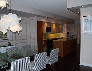 Luxury Downtown Water Front Condo Offered By Short Term Stays photos Exterior