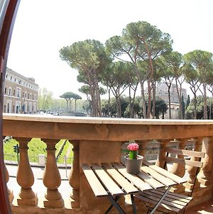 We Love Roma Guest House photos Exterior