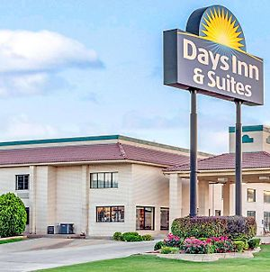 Days Inn By Wyndham Oklahoma City photos Exterior