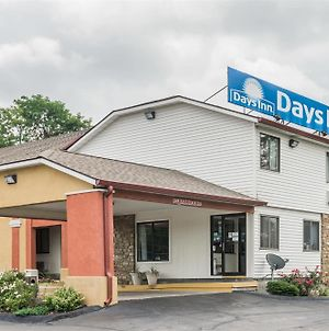 Days Inn By Wyndham Bloomington photos Exterior