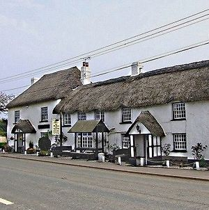 The Old Thatch Inn photos Exterior